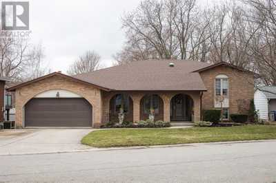 204 WILLOW Lane,  30769402, Mitchell,  for sale, , RE/MAX a-b REALTY LTD. BROKERAGE