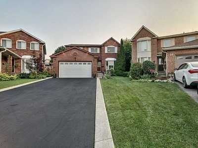 8 Paramount Pl,  W4673117, Brampton,  for sale, , Jasbir Singh  Hansi, HomeLife Superstars Real Estate Ltd., Brokerage*