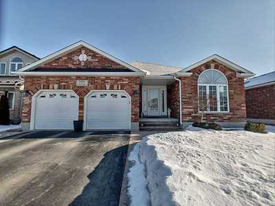 135 Severn Dr,  X4700612, Guelph,  for sale, , Sandy Layal, RE/MAX Realty Services Inc., Brokerage*