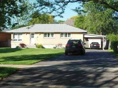 2126 Cliff Rd,  W4727045, Mississauga,  for sale, , Violetta Konewka, RE/MAX REAL ESTATE CENTRE INC. Brokerage   *