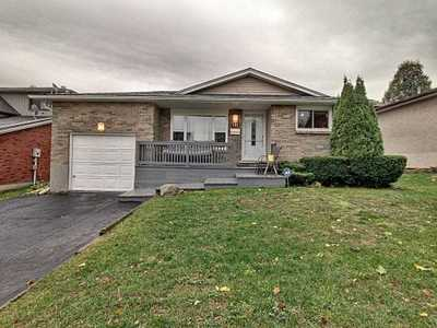 141 Old Country Dr,  X4964588, Kitchener,  for sale, , Jon Hiller, RE/MAX Twin City Realty Inc., Brokerage*