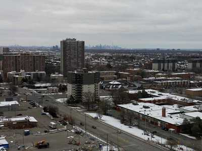 115 Hillcrest Ave,  W4998042, Mississauga,  for rent, , Pervez Qureshi, RE/MAX Realty Specialists Inc., Brokerage*