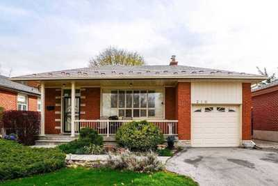 210 Wellesworth Dr,  W5206905, Toronto,  for sale, , Stephen  Crouch, Royal LePage Signature Realty, Brokerage