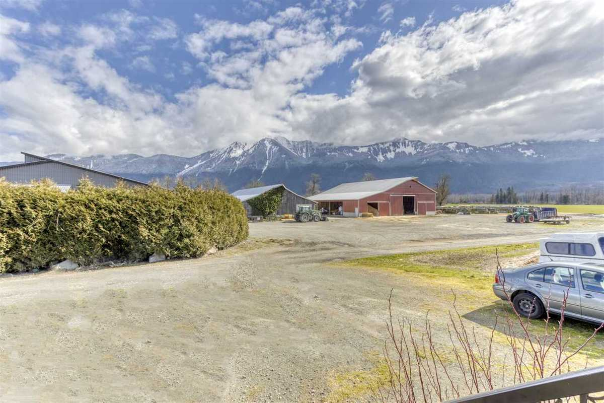 695 TUYTTENS ROAD, R2554886, Image 5