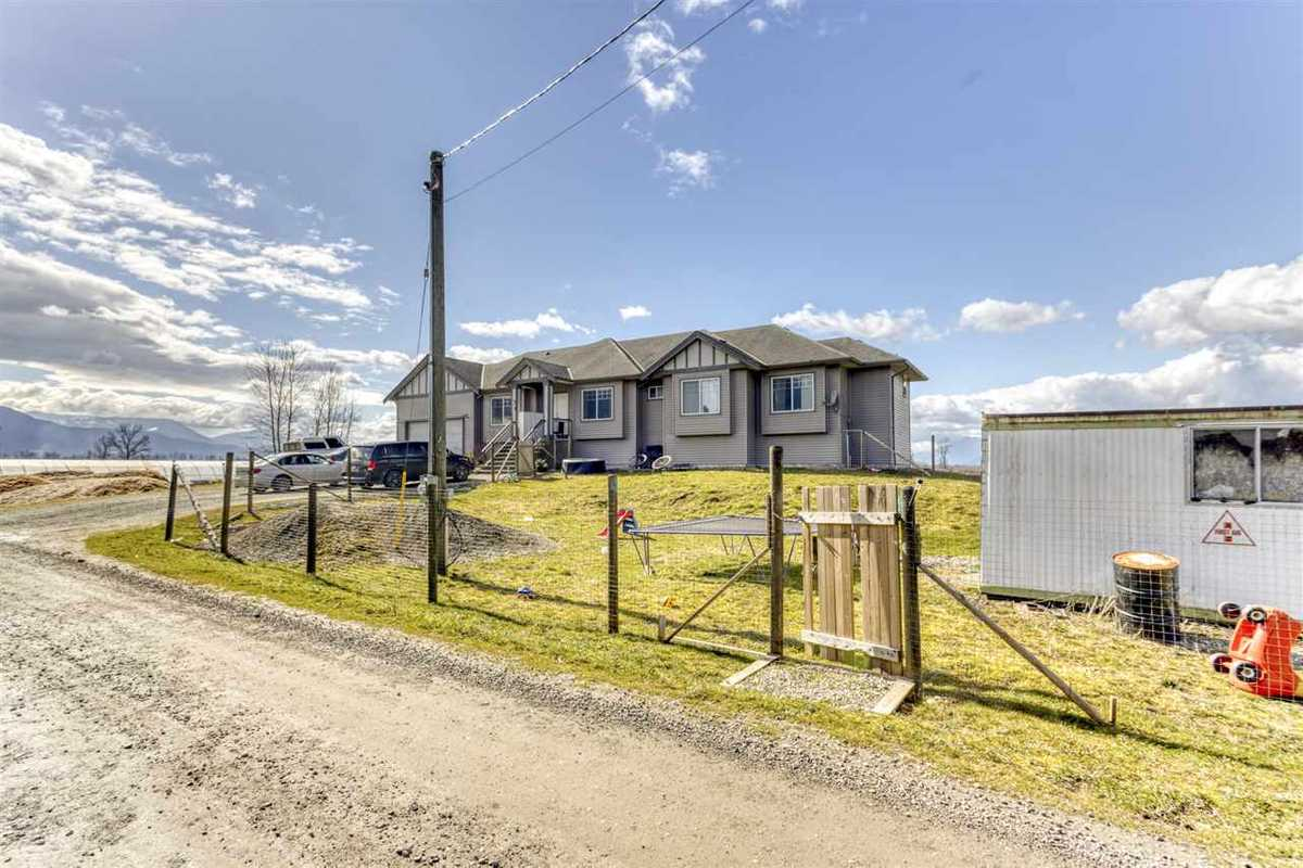 695 TUYTTENS ROAD, R2554886, Image 4