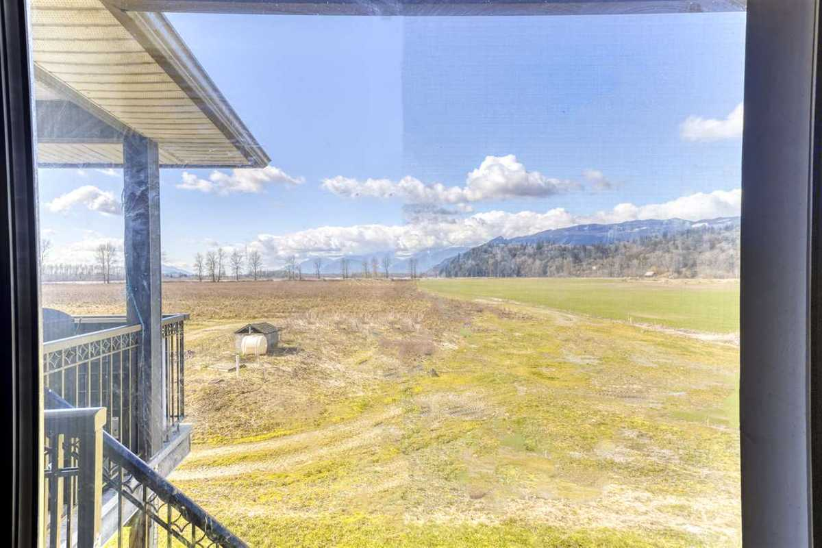 695 TUYTTENS ROAD, R2554886, Image 15
