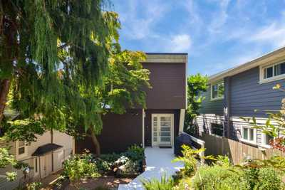 15482 COLUMBIA AVENUE,  R2603125, White Rock,  for sale, , Zach Campagne, HomeLife Benchmark Realty Corp.