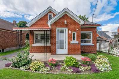 11 DUNHAM Avenue,  40166190, Kitchener,  for sale, , Stacey Chaves, RE/MAX Twin City Realty Inc., Brokerage*