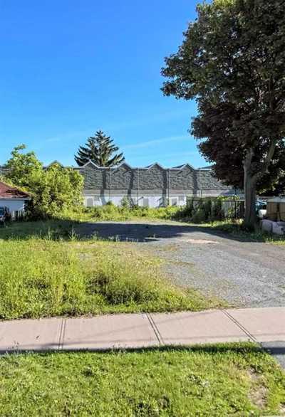 5592 Dunn St,  X5383106, Niagara Falls,  for sale, , Shellie Clarke, Cityscape Real Estate Ltd., Brokerage