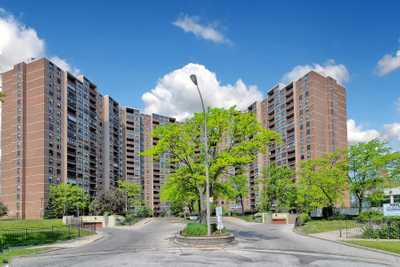 716 The West Mall Dr,  W5381276, Toronto,  for sale, , KENNY  MALHOTRA, RE/MAX Realty Services Inc., Brokerage
