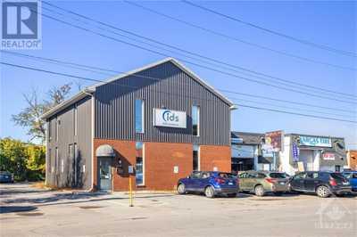 818 BOYD AVENUE,  1264808, Ottawa,  for sale, , Chris Tremblay, ROYAL LEPAGE TEAM REALTY, Brokerage*